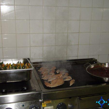 """Кулинарен тийм билдинг """"Star Chefs"""" в професионална кухня в RIU Pravets Golf & SPA Resort 12"""